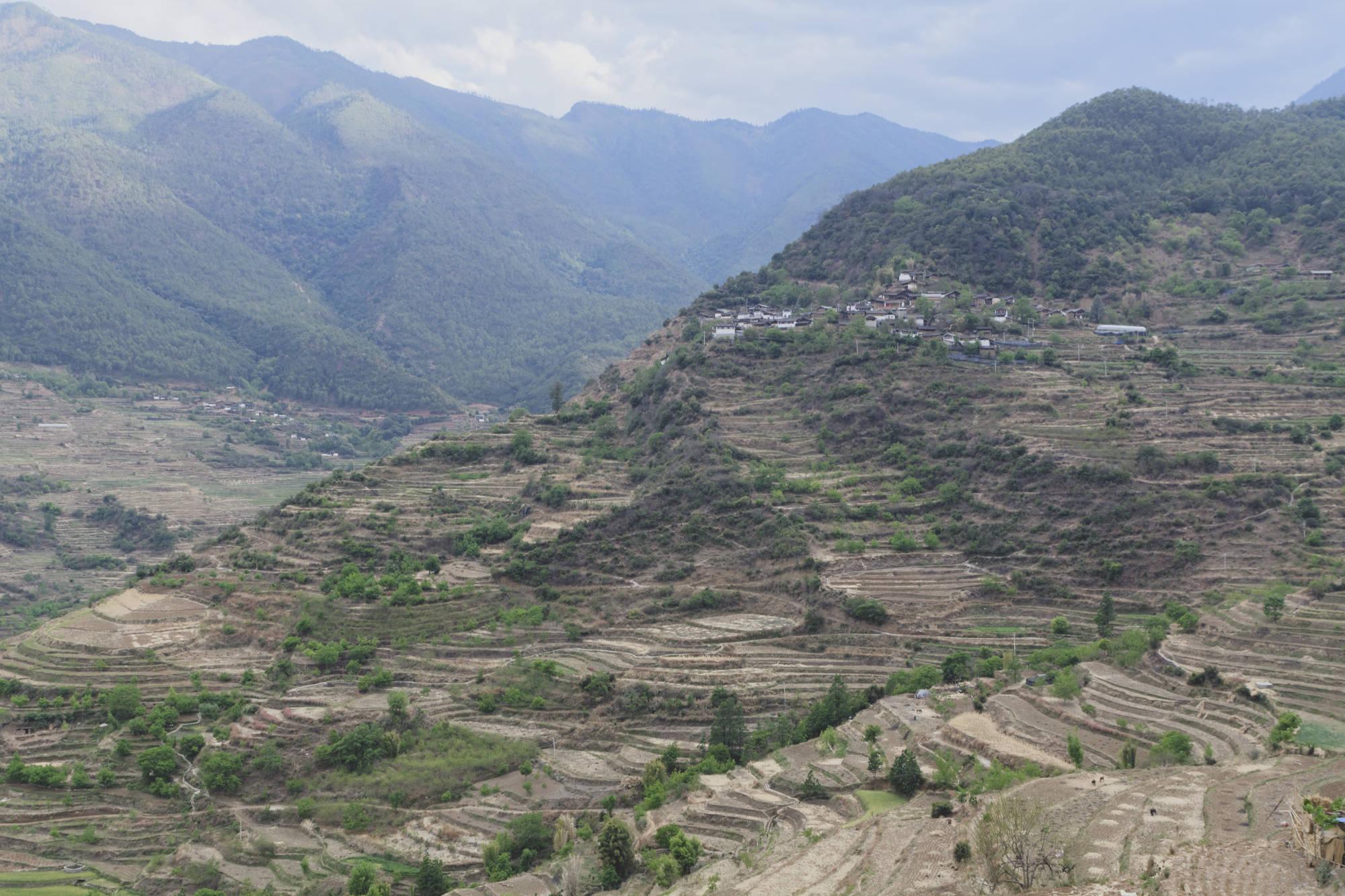Village de Suming, cultures en terrasses