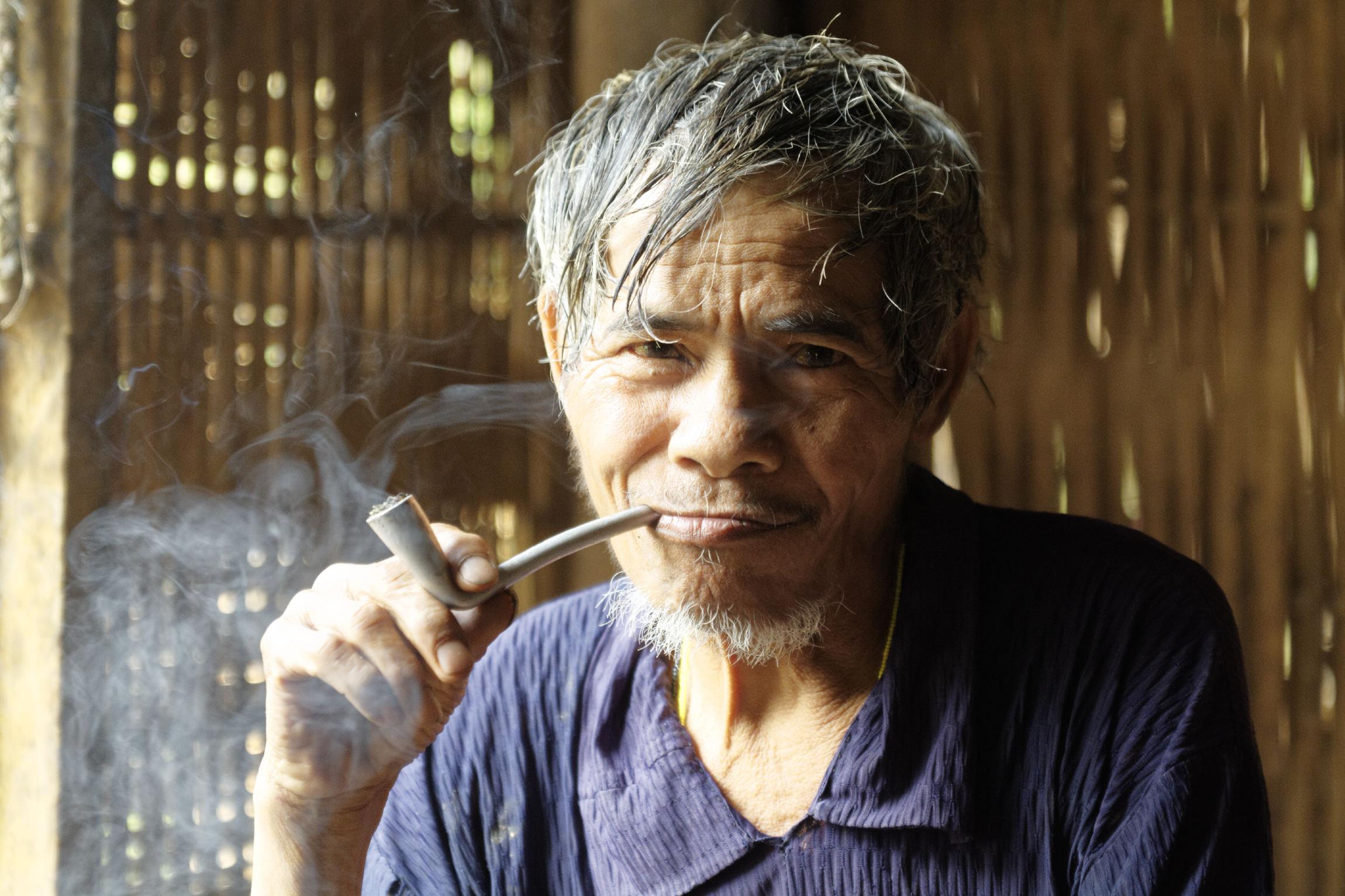 Portrait homme sans âge Kon Brap Yu Kontum
