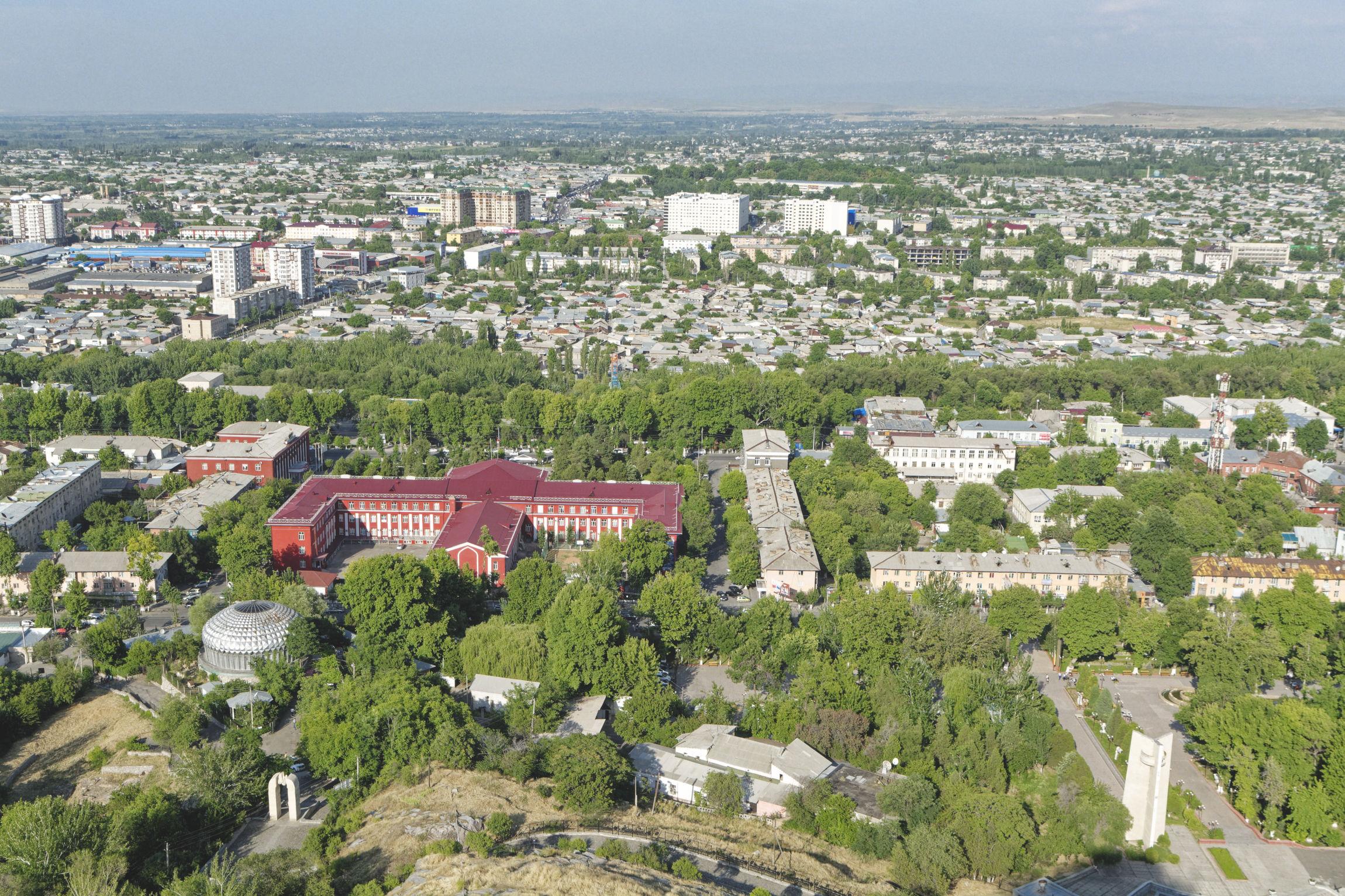 Vue sur la ville d'Och Kirghizstan