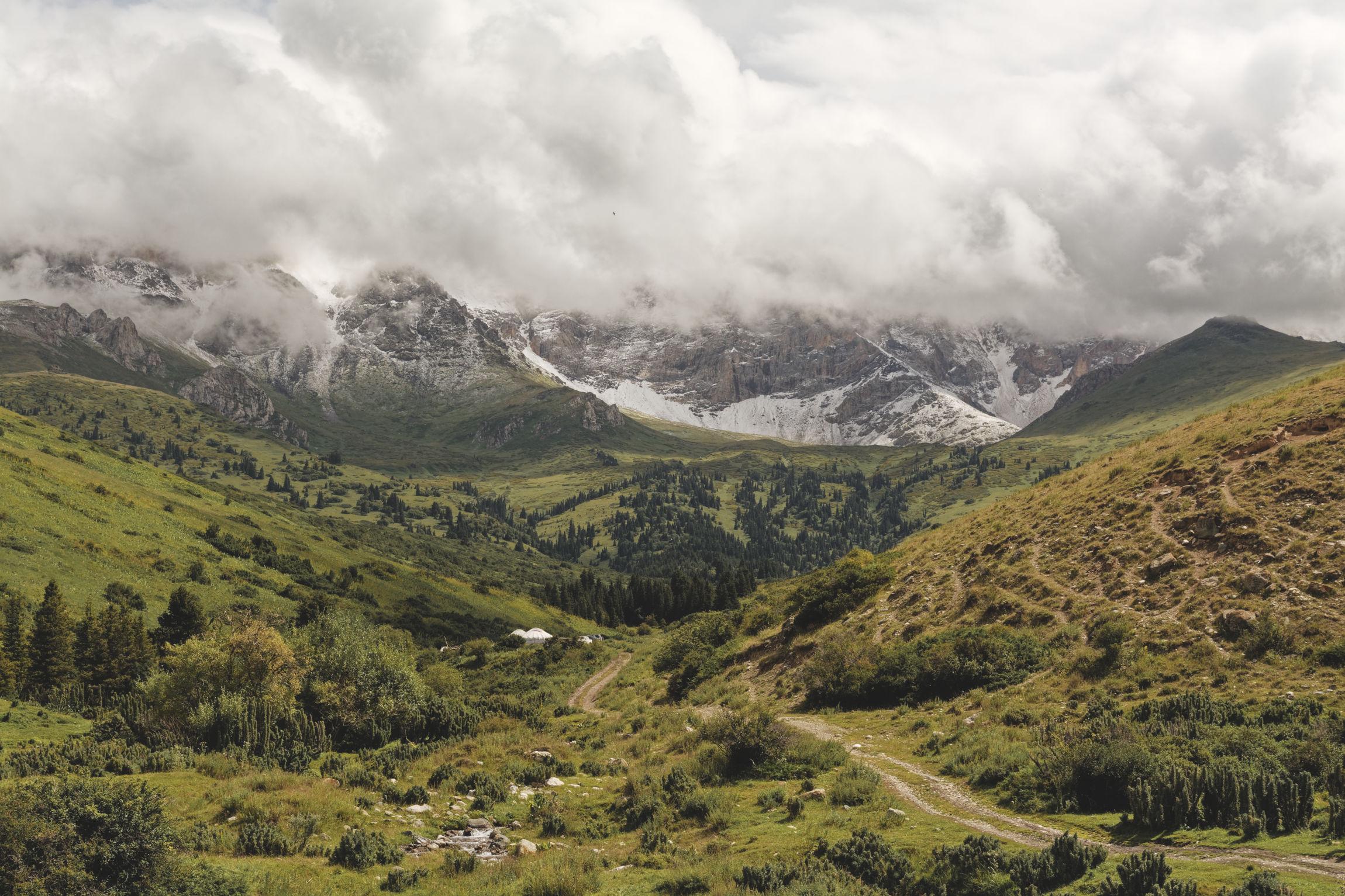 Vallée alpine Bosogo Kirghistan