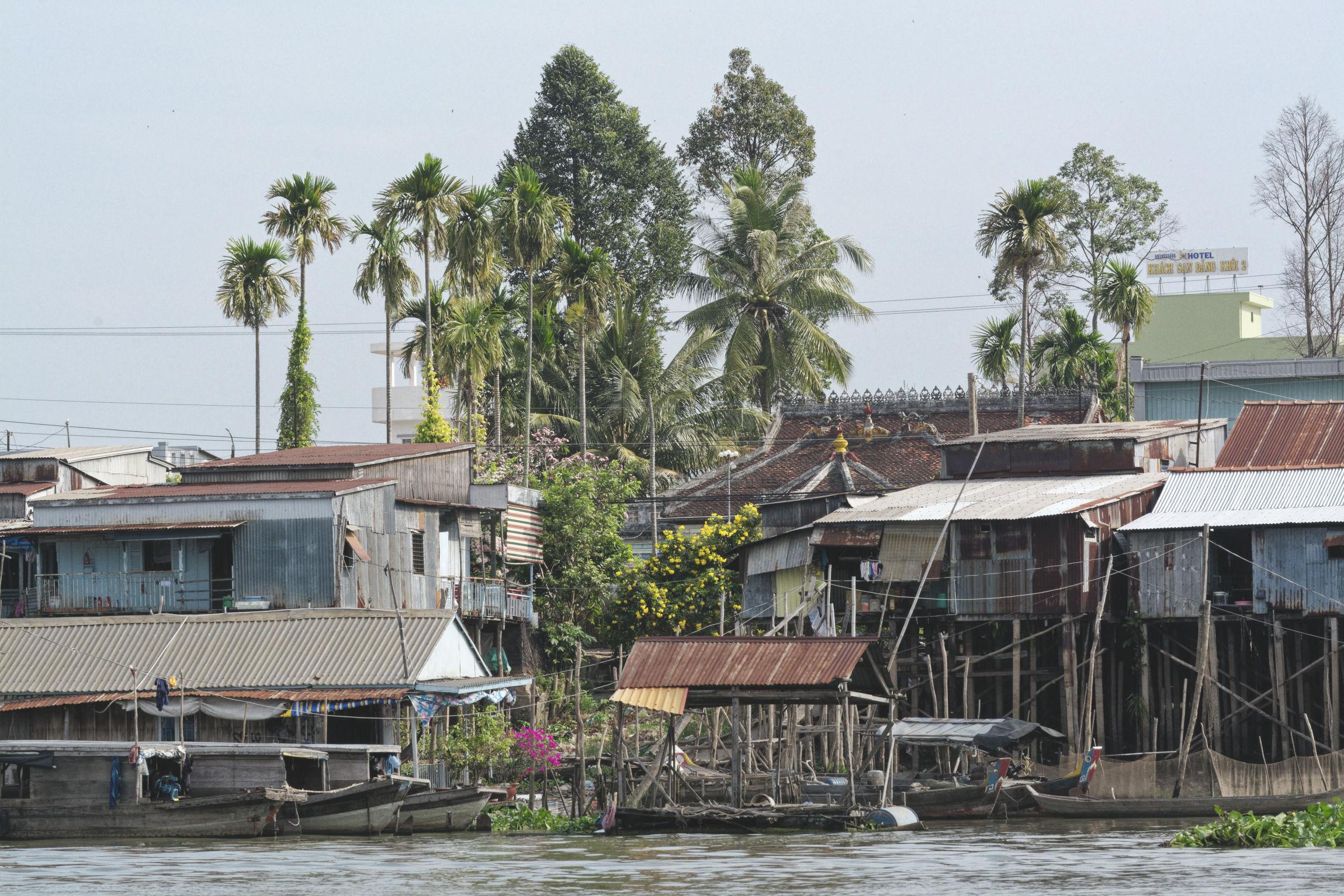 Delta du Mékong habitations sur le fleuve