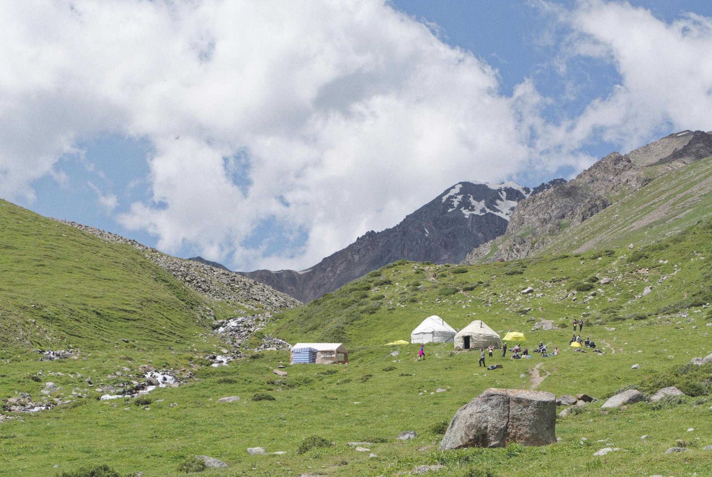Montagne et yourtes trek d'Ala Kul Kirghizstan