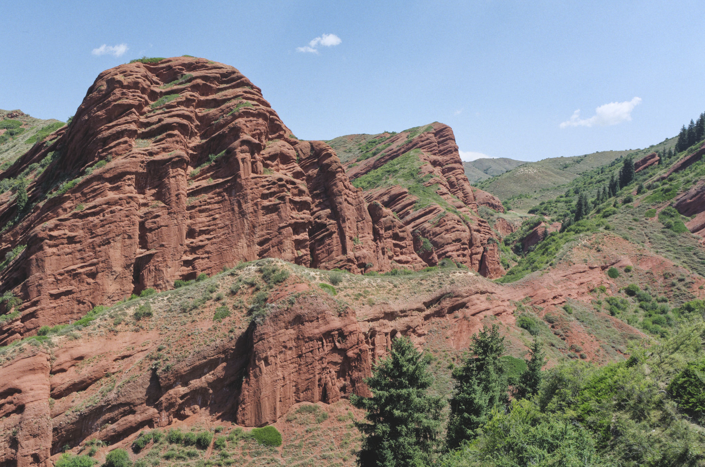 Jeti Ögüz Kirghizstan formes géologiques rouges