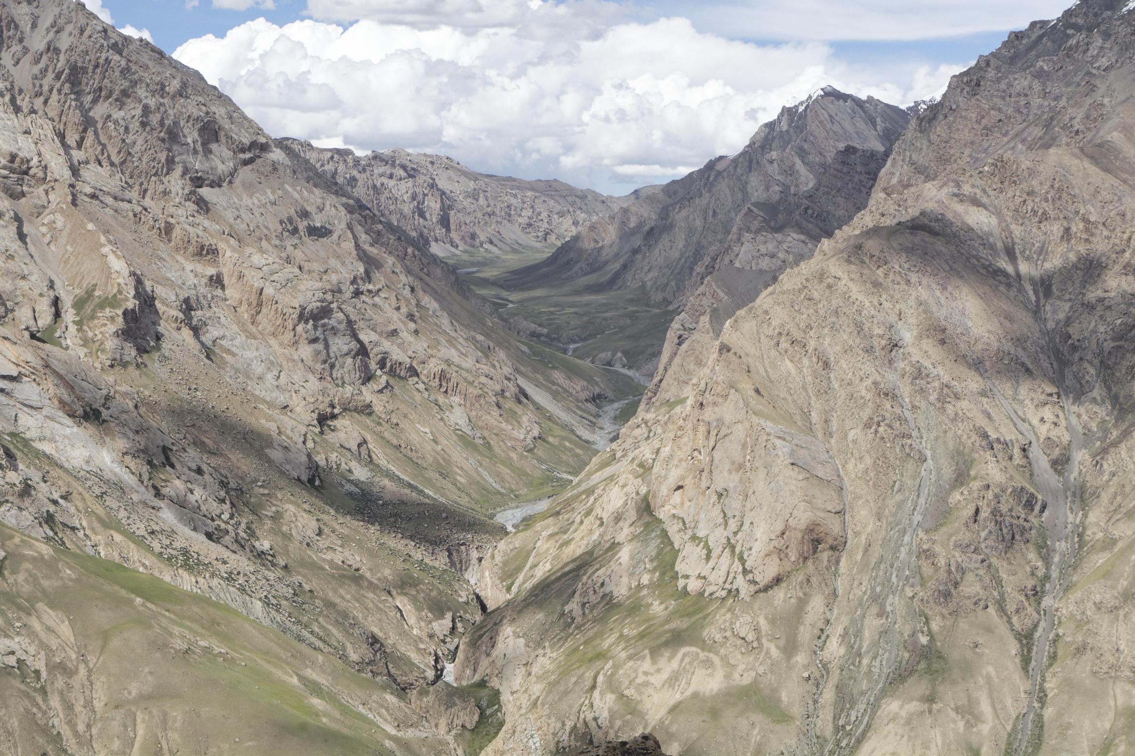 Montagnes vallée de Kaindy Kirghizstan
