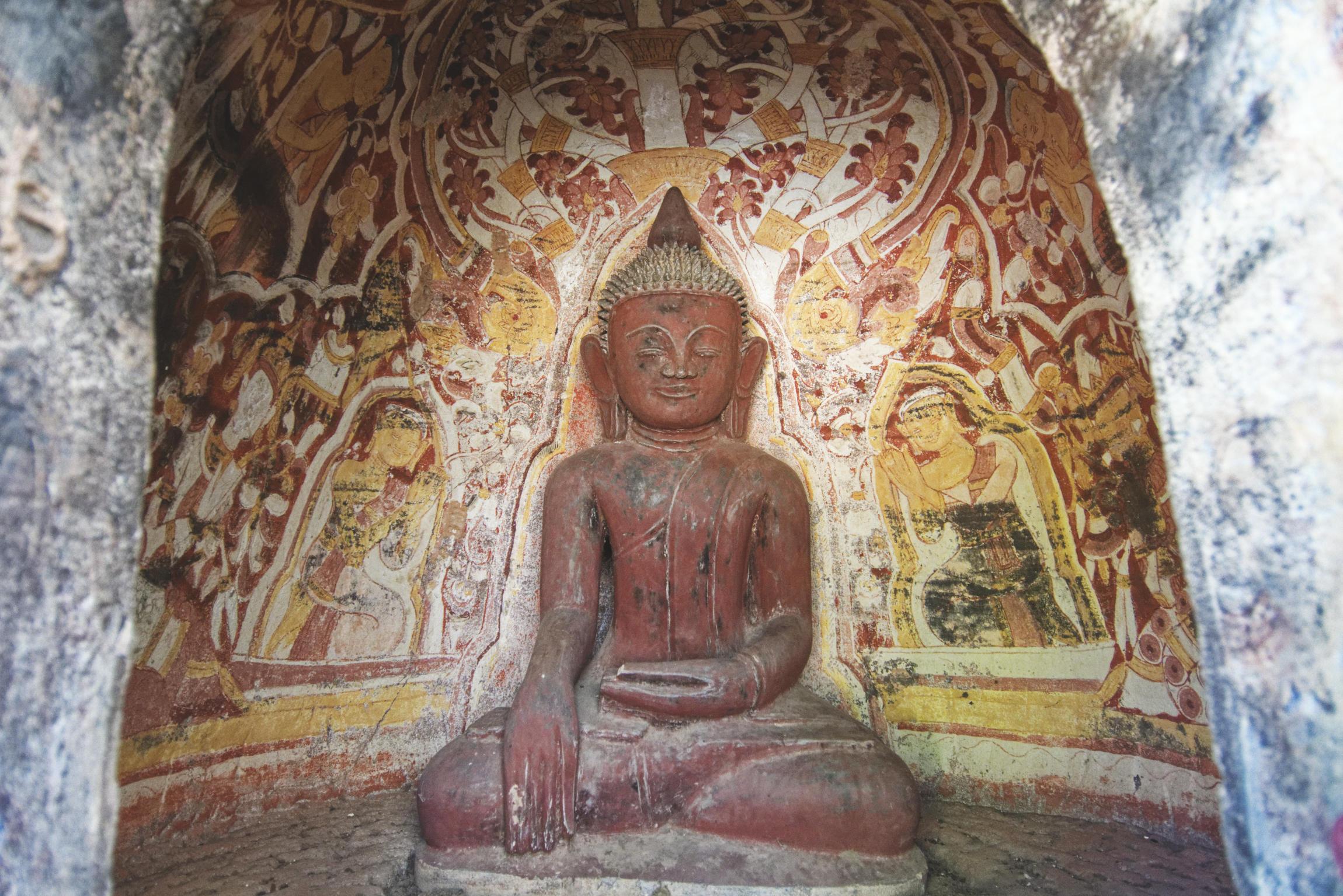 Po Win Taung : peintures et sculpture bouddhiques